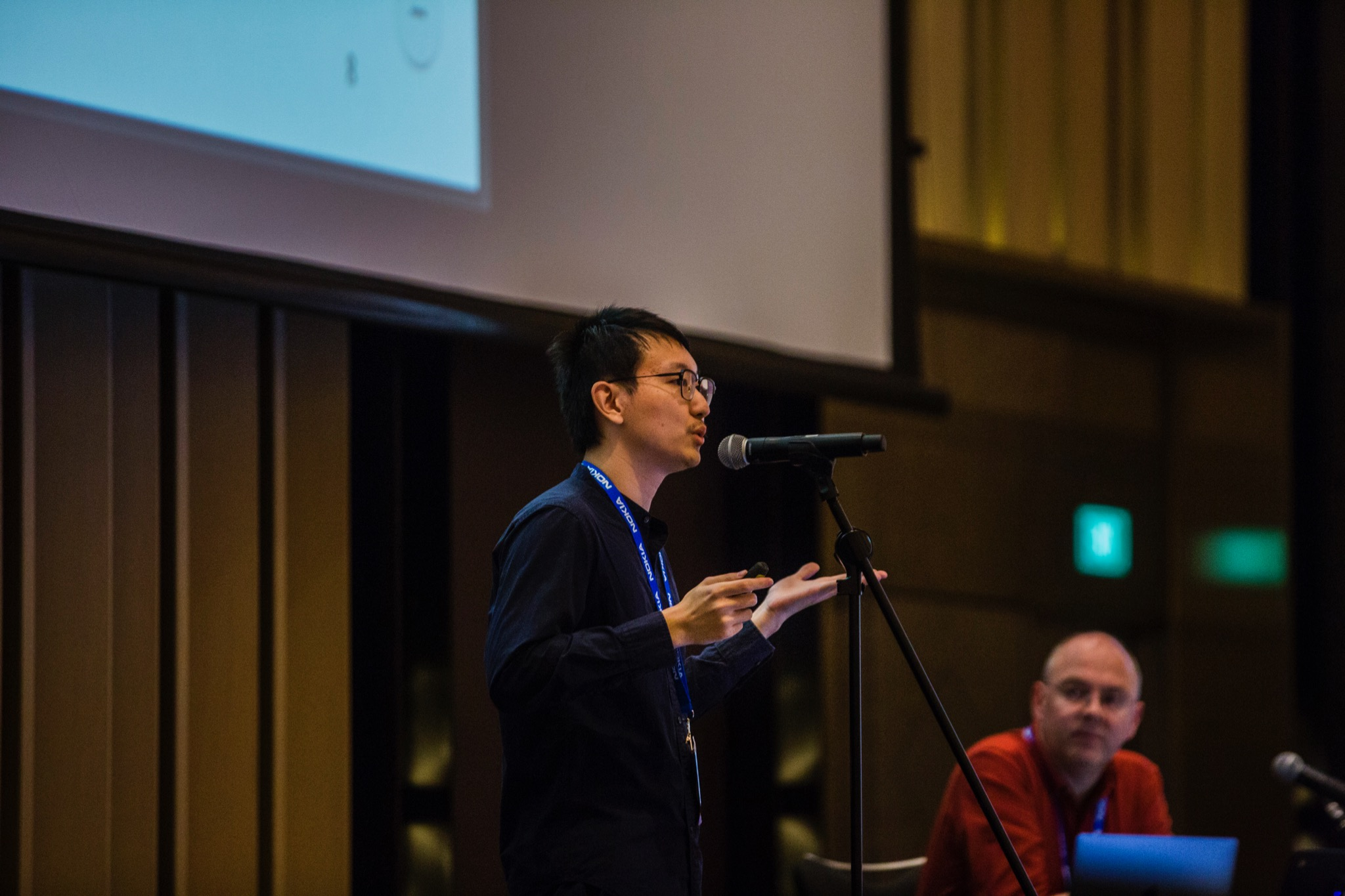 Weiteng Chen giving the ANRP prize talk at IETF 106